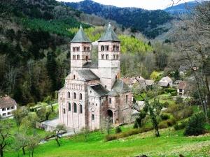 Murbach Benediktin Kilisesi